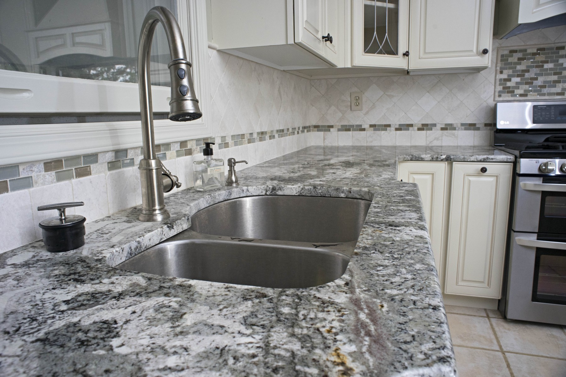 Minsk Green Granite Kitchen