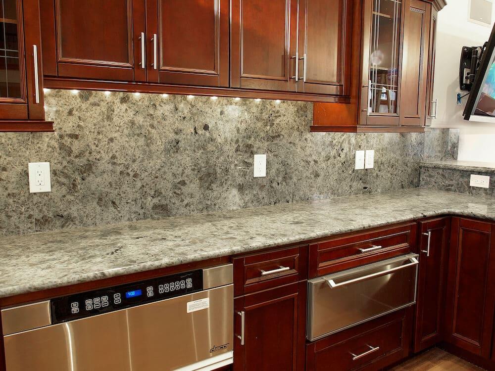 Material - Labrador Multicolor Granite 3CM / Perimeter Edge - Full Bullnose