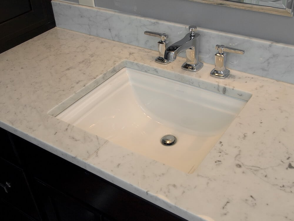Material - Bianco Carrara Marble / Edge - Eased