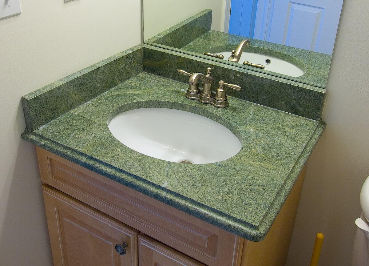 Material - Costa Esmerelda Granite 3CM / Edge - Ogee