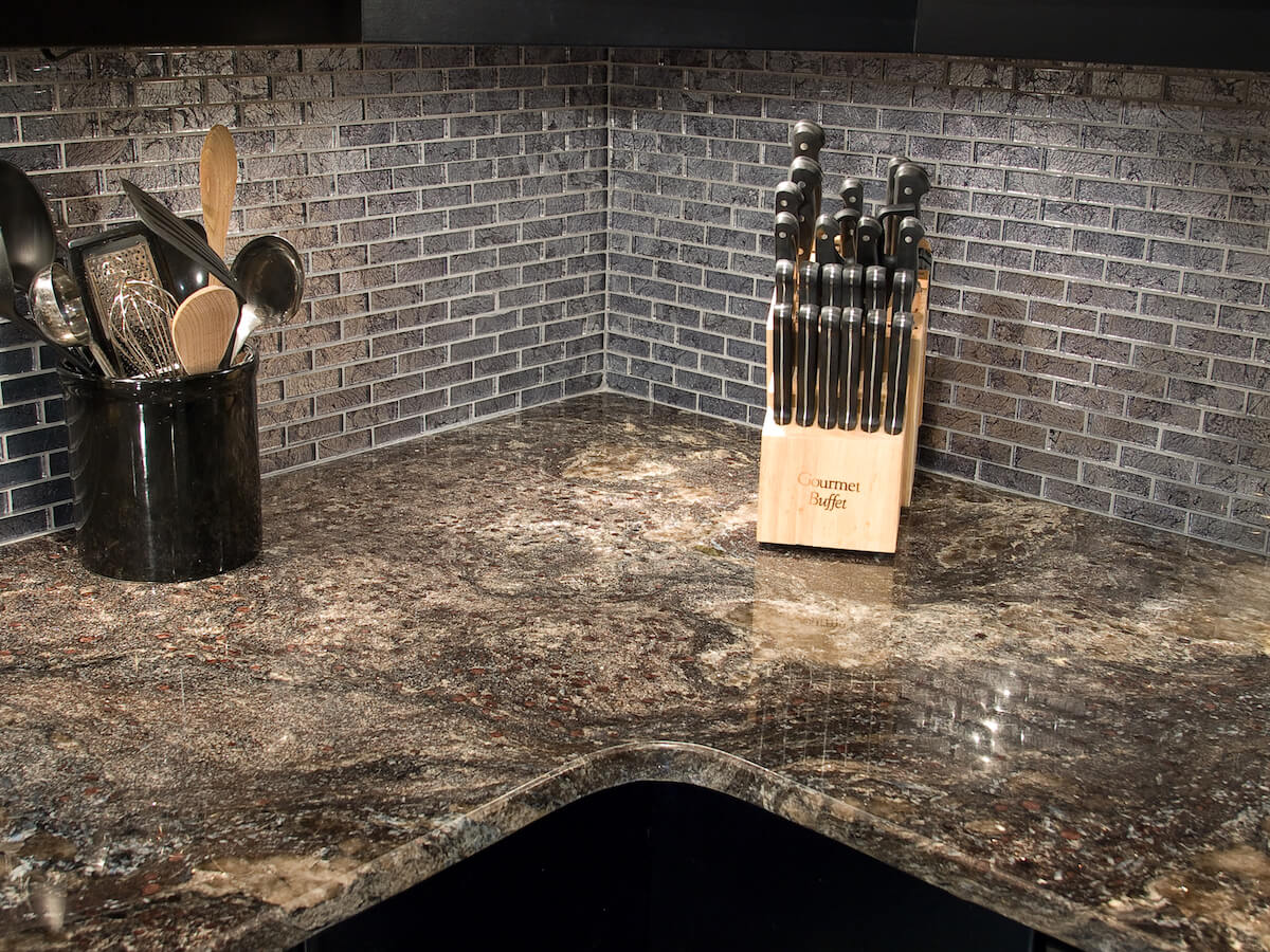 Material - Silver Asterix Granite / Edge - Eased / Sink - CMG 2321