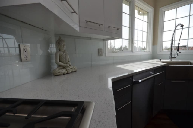 Kitchen Perimeter Material - Stellar Snow Silestone Quartz 3CM with an Eased edge