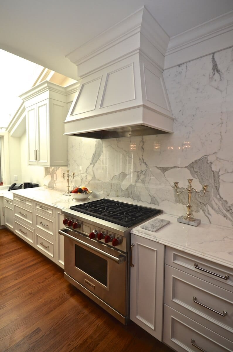 Kitchen Perimeter Material - Calacatta Gold Extra Marble with a Cove Dupont Edge / Kitchen Backsplash Calacatta Borgi Marble