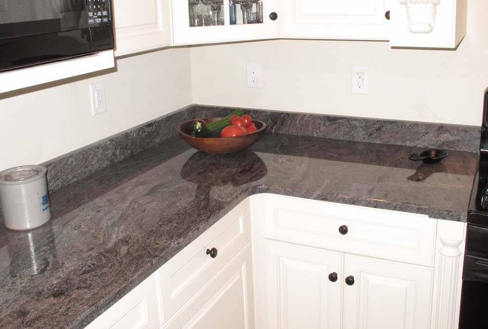 Material - Paradiso Classico Granite 3CM / Edge - 1/4 Bevel