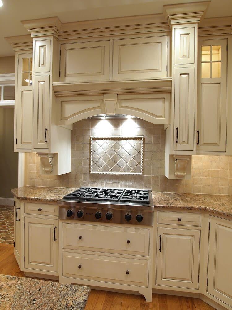 Material - Crema Bordeaux Granite 3CM / Kitchen Perimeter Edge - Half Bullnose